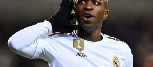 Ainda com 17 anos, Vinicius Jr. foi vendido ao Real Madrid por 45 milhões de euros. (Arquivo Blasting News)