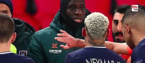 Demba Ba sous entend que Tuchel aurait dû réagir contre Istanbul. ©Capture YouTube Seneweb