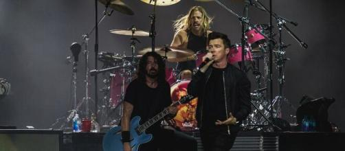 I Foo Fighters e il nuovo album 'Medicine at Midnight'.