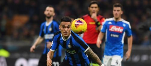 Internazionale e Napoli se enfrentam nessa quarta-feira (16) no Giuseppe Meazza. (Arquivo Blasting News)