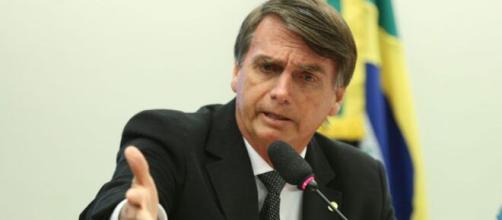 Bolsonaro diz que quem lhe chama de mau exemplo é 'imbecil' e 'idiota'. (Arquivo Blasting News)