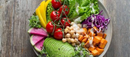 Como melhorar a alimentação diminuindo o consumo de carne. (Arquivo Blasting News)