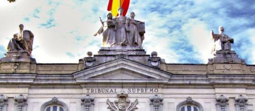El Tribunal Supremo considera que son los juzgados ordinarios quienes tienen que estudiar las denuncias.