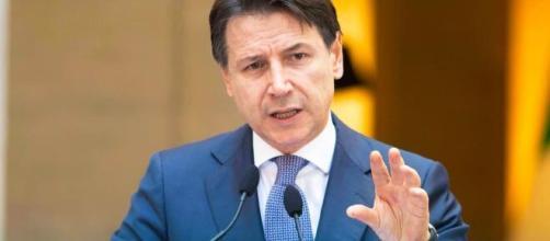 Giuseppe Conte firmerà a breve un nuovo Dpcm (Foto tratta dal profilo Facebook del premier)