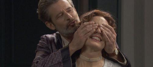 Il segreto, trame Spagna: Isabel e Jean Pierre innamorati in segreto.