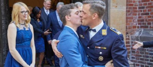 Los suizos, más abiertos al matrimonio LGTB+