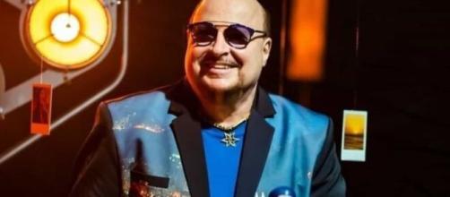 Paulinho, vocalista do Roupa Nova, morreu aos 68 anos vítima da Covid-19. (Arquivo Blasting News)