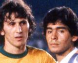 Zico e Maradona avversari in Brasile-Argentina di Copa America nell'agosto del 1979.