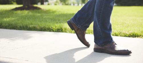 Da Como alle Marche: litiga con la moglie e cammina per giorni.