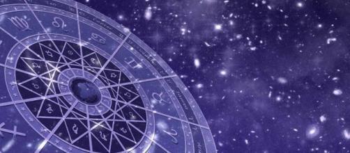 L'oroscopo settimanale dal 7 al 13 dicembre: Cancro fortunato, emozioni per la Bilancia.