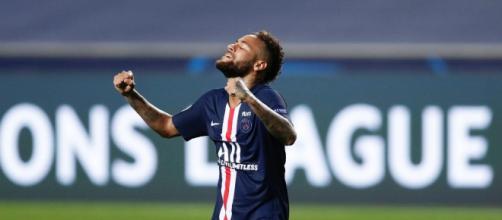 Neymar concorre à vaga para o 'time do ano' da Uefa. (Arquivo Blasting News)