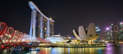 Singapore will be connected to Hong Kong with an air travel bubble. ©Pexels Timo Volz