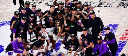 Atual campeão da NBA, o Los Angeles Lakers vai em busca de seu segundo título consecutivo. (Arquivo Blasting News)