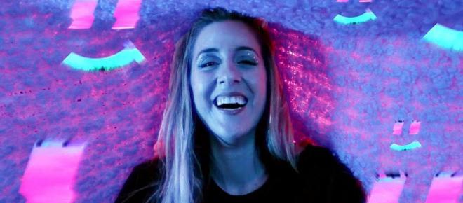 La YouTubeuse Denyzee sort sa marque de vêtements : Electric Sugar