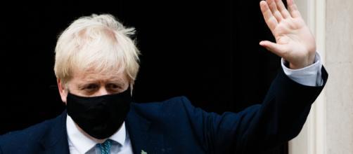 Boris Johnson asegura que en Gran Bretaña no hay desabastecimiento alimenticio, tras cierre de fronteras por la nueva cepa del virus.