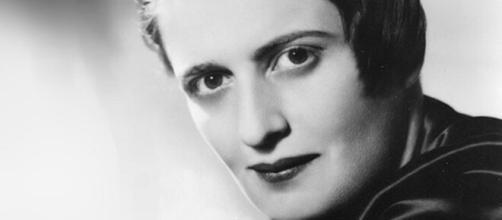 Ayn Rand, foi uma filósofa e roteirista russo-americana de Hollywood. (Arquivo Blasting News)