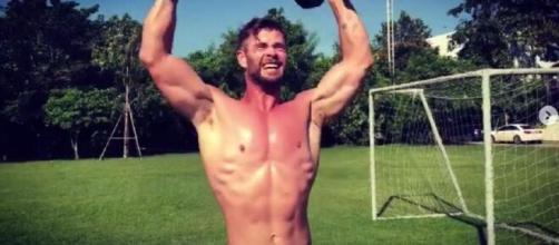 Chris Hemsworth y su atlética figura