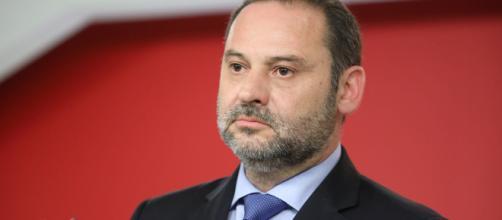 José Luis Ábalos ha sostenido que desde el Gobierno se apuesta por el diálogo.