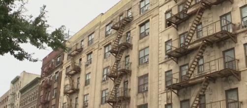 Los inquilinos de viviendas en EEUU están afectados por la pandemia y el inminente vencimiento de la moratoria federal de desalojos.