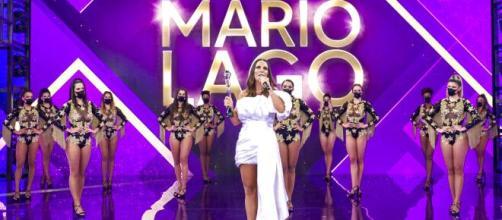 Ivete Sangalo recebe o 'Troféu Mario Lago' no último 'Domingão do Faustão'. (Reprodução/TV Globo)