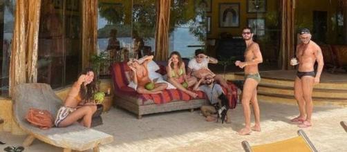 Ex-BBBs alugam ilha. (Reprodução/Instagram)