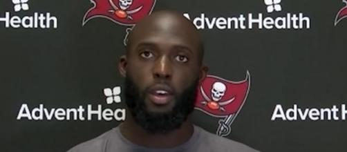 Fournette signed a one-year deal with the Bucs. [Image Source: Tampa Bay Buccaneers/YouTube]
