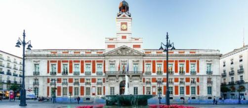 Homenaje de Nacho Cano a las víctimas del virus en la Puerta del Sol en Nochevieja