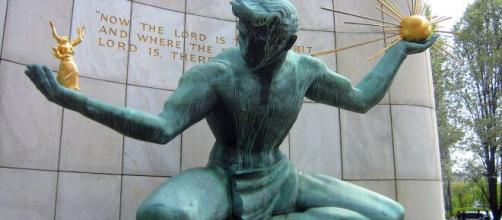 'The Spirit of Detroit' by Marshall Fredericks at the Coleman A. Young Municipal Center [Image Source: Zirotti/Wikipedia Commons]
