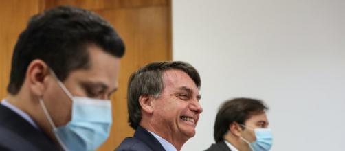 Alcolumbre, Bolsonaro e Maia estão atentos ao julgamento no STF. (Arquivo Blasting News)