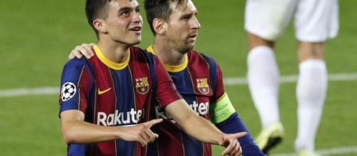 Messi sempre foi apontado como o grande substituto de Maradona. (Arquivo Blasting News)