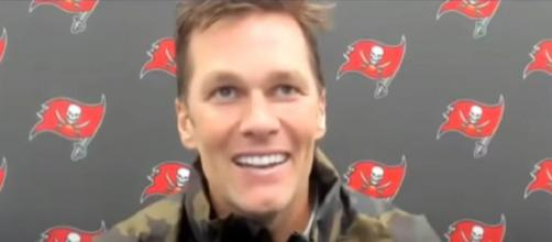 Brady didn't receive any signing bonus this season (© Tampa Bay Buccaneers/YouTube)