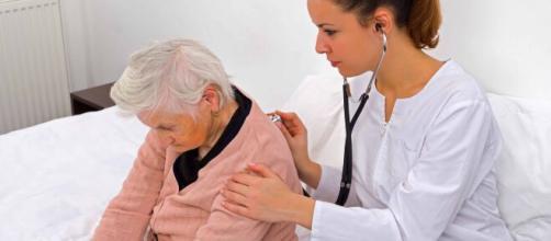Loa ancianos pueden estar más propensos a contagiarse con gripes durante el invierno.