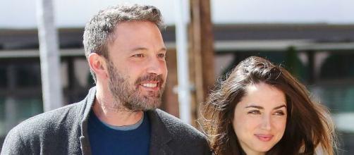 Ben Affleck reconstruye su vida romántico paseo junto a la actriz cubana Ana de Armas.