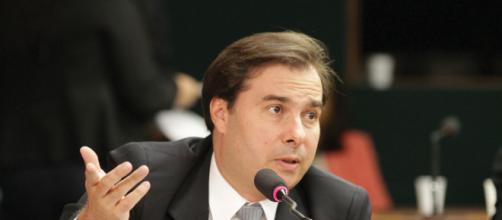 Rodrigo Maia se une com partidos de esquerda contra Jair Bolsonaro. (Arquivo Blasting News)