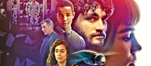 Série 'Onisciente' tem claras influências de 'Black Mirror'. (Reprodução/Netflix)