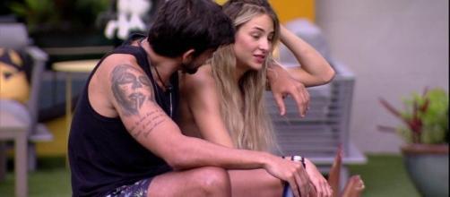 Guilherme decide declarar tudo o que sente para Gabi. (Reprodução/TV Globo)