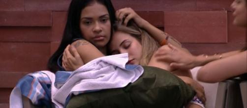 Flayslane conversa com Gabi após desentendimento. (Reprodução/TV Globo)