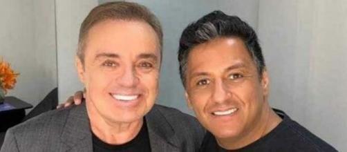 Gugu Liberato com Eduardo Sacchiero em foto publicada no Instagram; maquiador relembrou discrição do patrão. (Reprodução/Instagram)