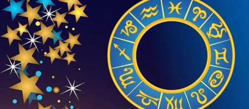 L'oroscopo del 13 febbraio: giovedì favorevole ai sentimenti del Sagittario, bene il Toro