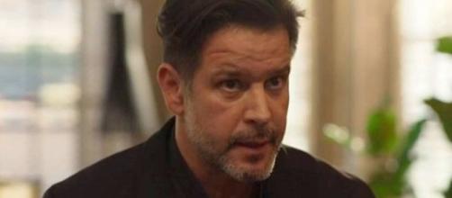 """Raul (Murilo Benício) agirá sem que Sandro (Humberto Carrão) saiba para salvar a pele dele em """"Amor de Mãe"""". (Reprodução/TV Globo)"""