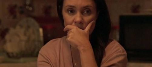 Thelma terá um segredo seu revelado e divulgado por outros personagens em 'Amor de Mãe'. (Reprodução/TV Globo)