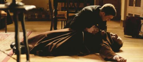 Una Vita, spoiler al 21 febbraio Celia abortisce, Telmo trova Fra Guillermo deceduto.