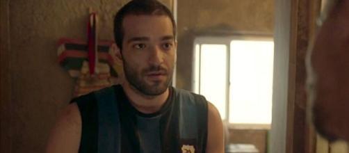 Após prisão de Marconi, Sandro ficará marcado por bandidos. (Reprodução/TV Globo)