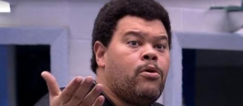 Babu trolla Gabi simulando briga no 'BBB20'. (Reprodução/TV Globo)