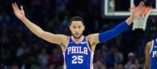 Ben Simmons fez um triplo-duplo, com 26 pontos, 10 assistências e 12 rebotes. (Arquivo Blasting News)