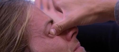 'BBB20': Daniel chora em desabafo com Marcela. (Reprodução/TV Globo)