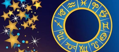Previsioni astrali del 15 febbraio: passione alle stelle per la Vergine, insidie per lo Scorpione.