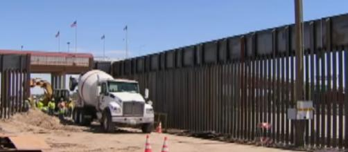 Trump administration reaches 100-mile mark for US-Mexico border wall. [Image source/Fox News YouTube video]
