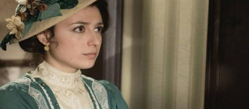Una Vita, trame Spagna: Lucia confessa ad Ursula che Telmo è il padre di suo figlio Mateo.
