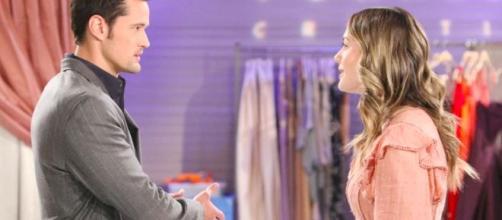 Beautiful, trame Usa: Hope arrabbiata con Thomas per aver baciato Zoe di fronte a Douglas.
